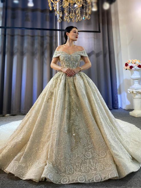 Court Princess Elegant Off the Shoulder Beading Sequins Wedding Dress