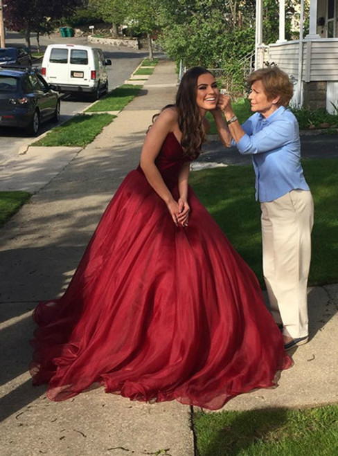 Burgundy Tulle Sweetheart Prom Dress Long Ball Gowns