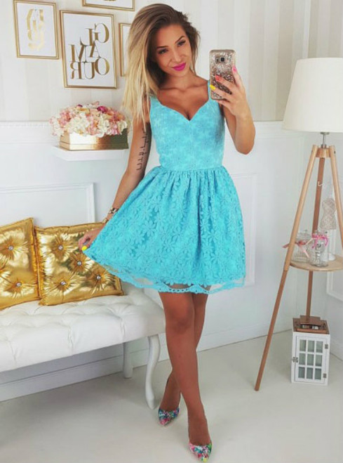 Queenly Blue V-neck Appliques Tulle A-line Homecoming Dress