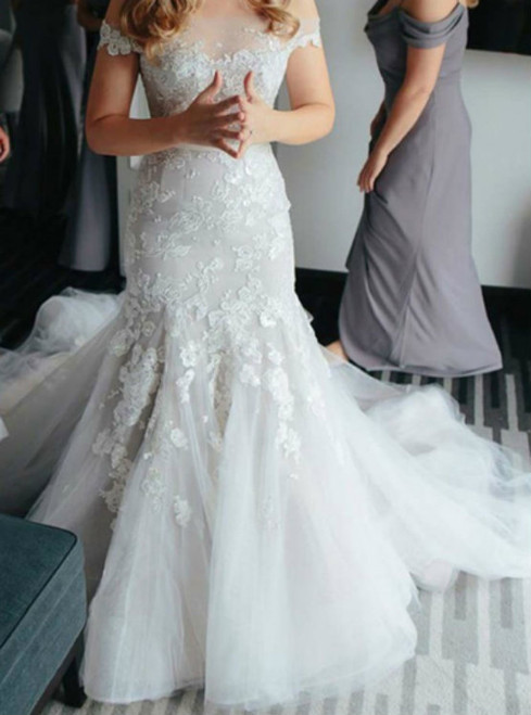 Casual Lace Off-The-Shoulder Appliques Button Mermaid Wedding Dress