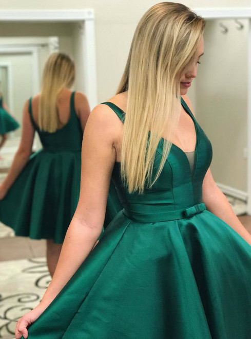 High quality Cute A-line Short Green Homecoming Dress with Ribbon