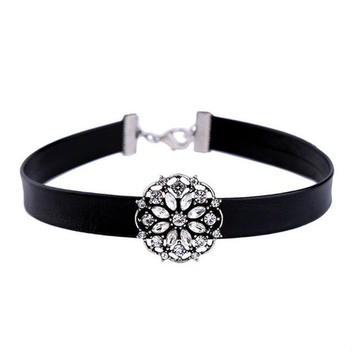 Cheap Floral Shape Crysyal Choker Necklace