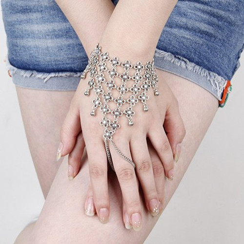 Fashion Flower Hollow Out Bracelet