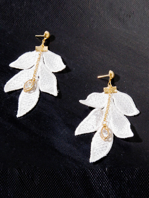 Cheap White Leaf Lace Earrings