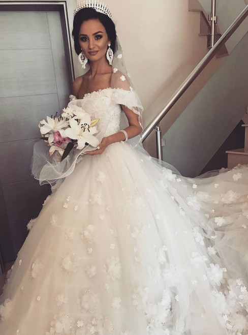 Wedding Dress 3D Floral Appliques Tulle Bridal Gown Off the Shoulder Ball Gown