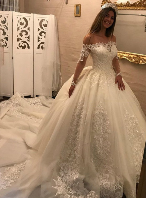 Royal Train Off-Shoulder Wedding Dress with Lace Appliques