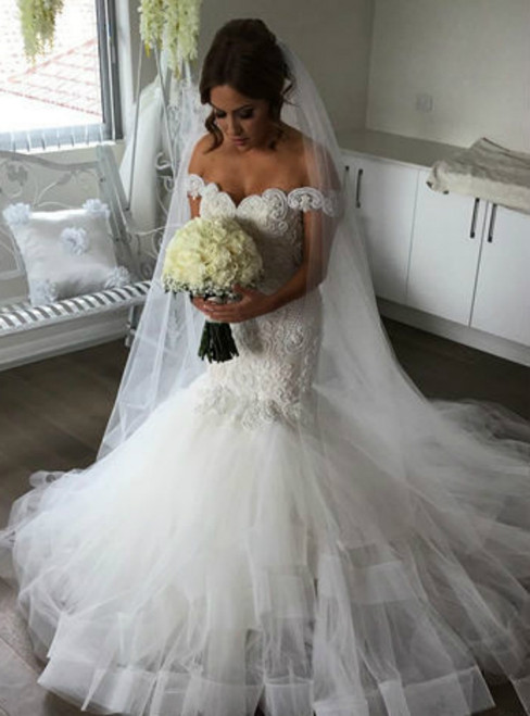 2018 Sexy Berta Backless Lace Appliqued Beads Tiered Ruffles Bridal Gowns Off The Shoulder