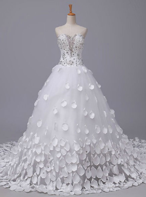 A Line Sweetheart Beading Wedding Dresses Long Train Lace Up Bridal Gowns