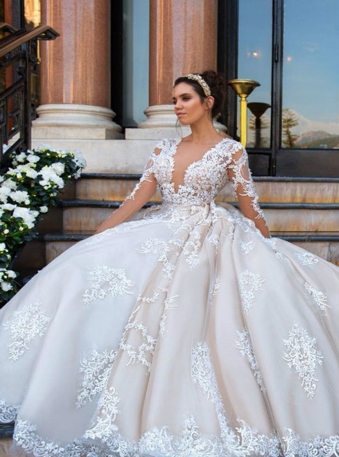 elegant lace appliques v neck tulle ball gowns wedding dress 2017