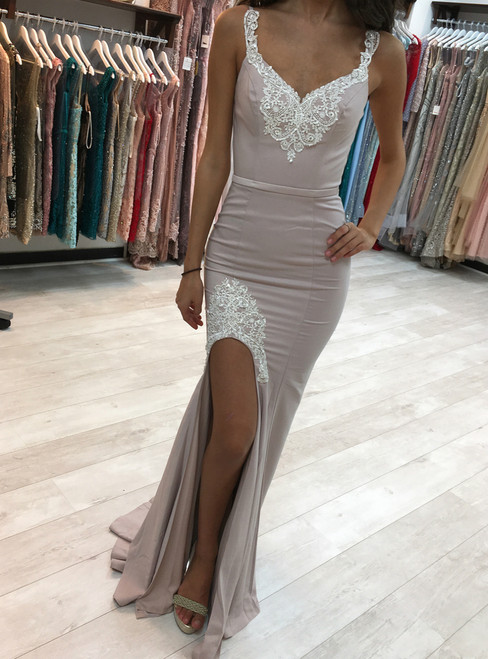 Elegant Backless Long Mermaid Bridesmaid Dresses with Lace Appliques Side Slit