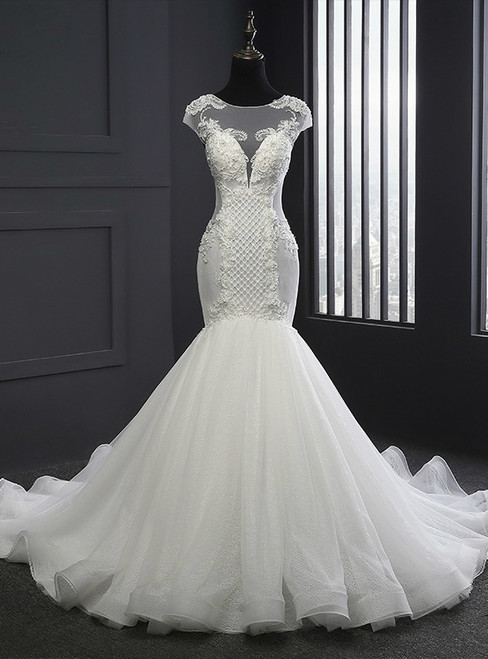 2017 Elegant Scoop Neck Wedding Dresses Mermaid Lace-up Lace Appliques Wedding Dress