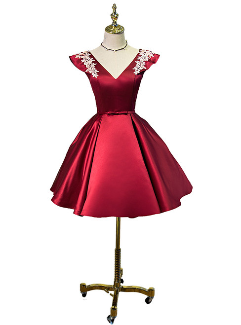 Red Satin Cap Sleeve V-neck Homecoming Dresses 2018