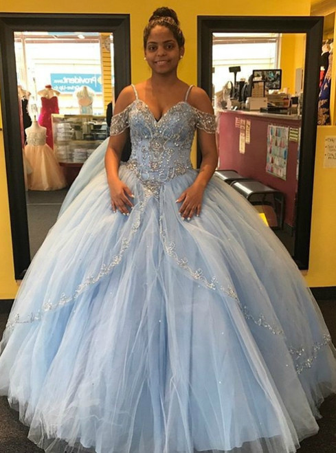 3bdda0a8c604 Quinceanera Dresses Off the Shoulder Beads Ball Gowns Sweet 16 Dresses