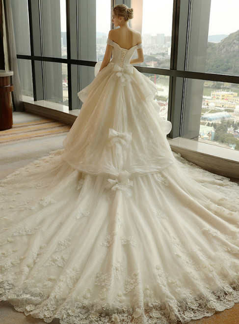 Luxury Off the Shoulder Tull Backless Haute Couture Wedding Dresses