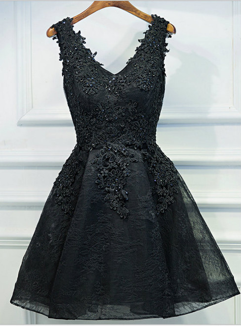 V-neck Beaded Elegance Appliqued Black Lace Homecoming Dresses