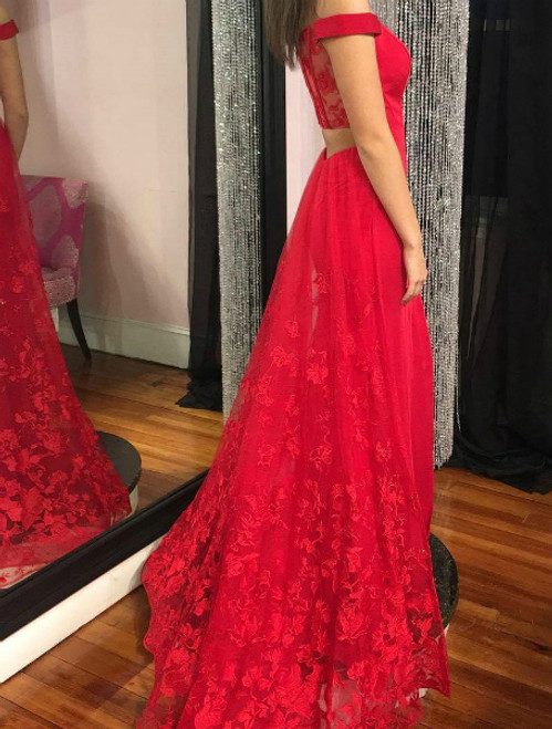 Red Off-the-shoulder Sheath Lace Tulle Long Prom Dress