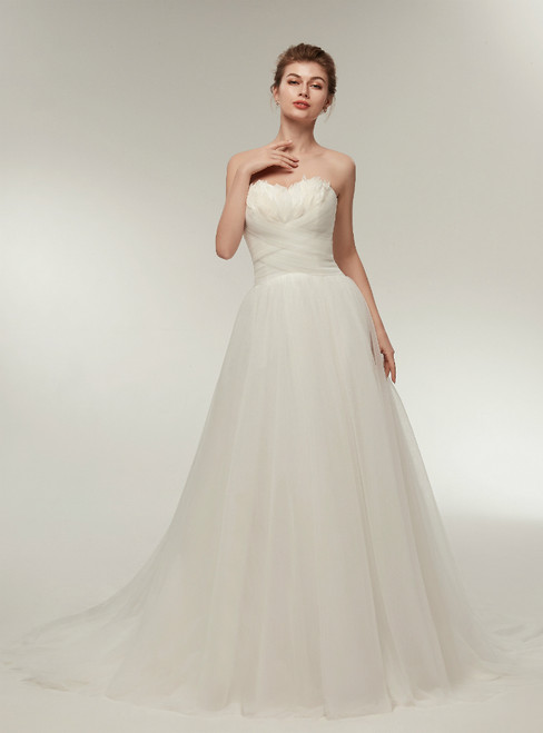 Simple A-Line Tulle Sweetheart Feathers Wedding Dress