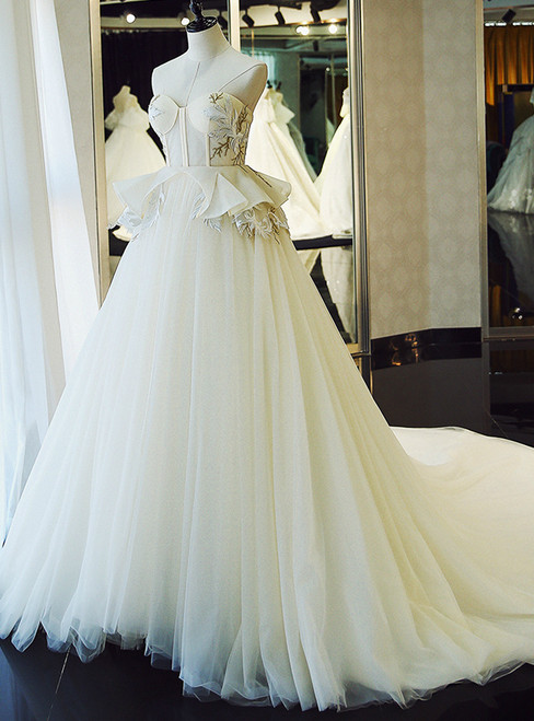 White Tulle Sweetheart High Waist Appliques Wedding Dress