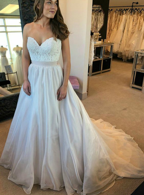 A-line Sweetheart Neck Chiffon Lace Sleeveless Wedding Dress