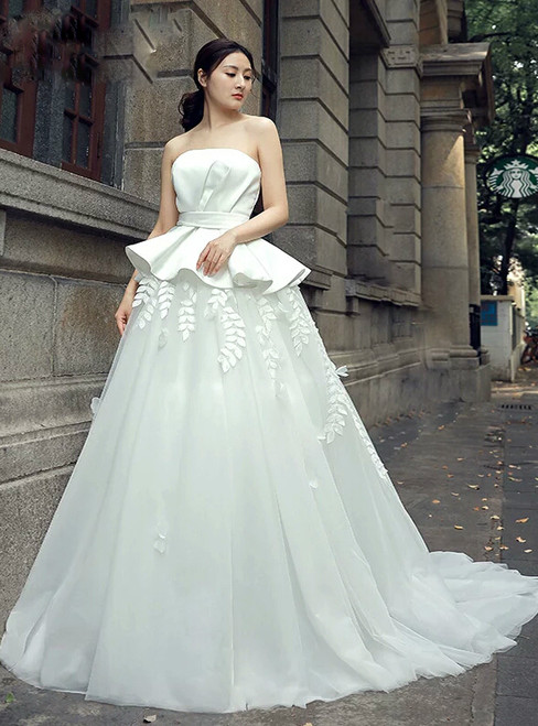 White Strapless Satin Tulle Backless Appliques Wedding Dress