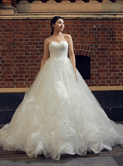 White Ball Gown Tulle Sweetheart Neck Ruffle Wedding Dress