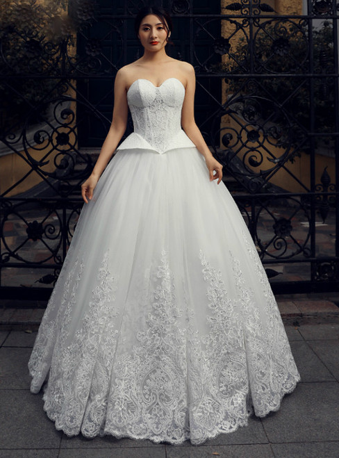 White Sweetheart Neck Corset Tulle Lace Floor Length Wedding Dress