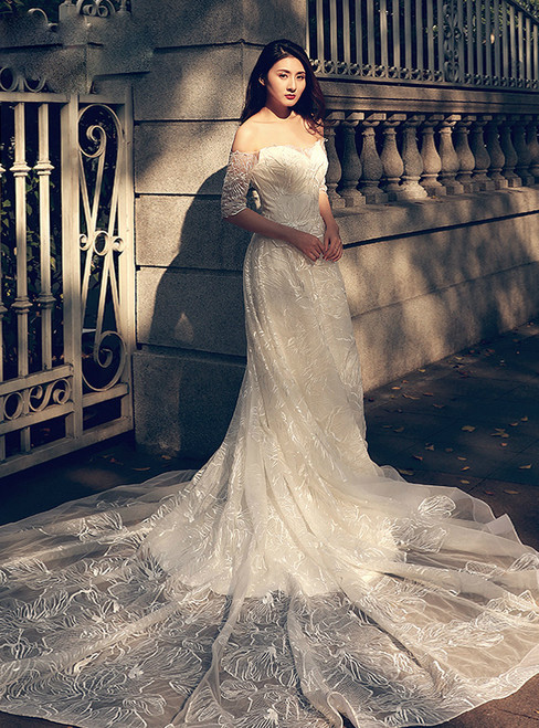 A-Line White Off The Shoulder Tulle Short Sleeve Wedding Dress
