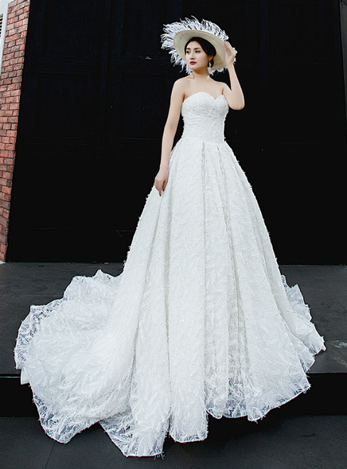 White Ball Gown Tulle Sweetheart Neck Backless Wedding Dress