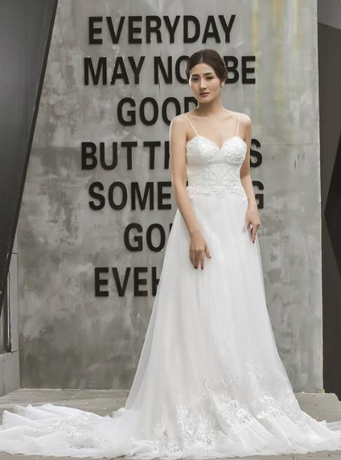White Tulle Appliques Spaghetti Straps Backless Wedding Dress
