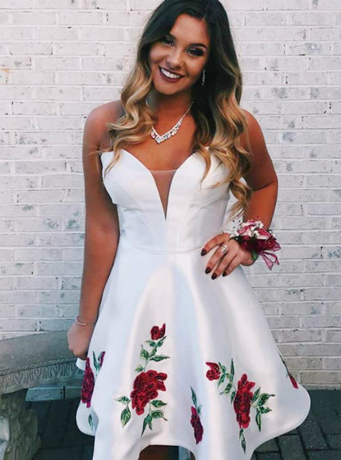 White Sweetheart Neck Satin Appliques Short Homecoming Dress