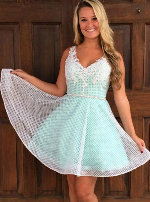 A-Line V Neck Mint Green Lace Appliques Homecoming Dress