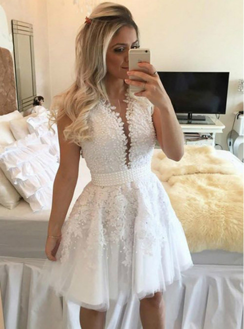 A Line White Tulle Appliques Pearls Short Homecoming Dress