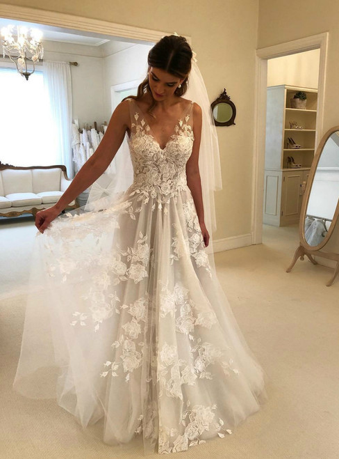 A-Line Lace Applique Ivory Beach V Neck Backless Wedding Dress