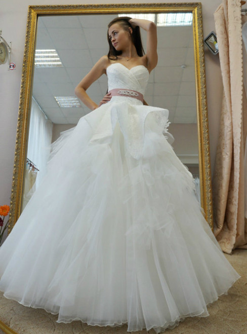 White Ball Gown Tulle Lace Sweetheart Pleats With Sash Wedding Dress