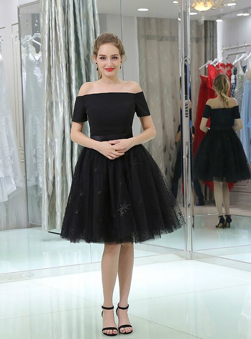 Black Tulle Short Sleeve Off The Shoulder Knee Length Homecoming Dress