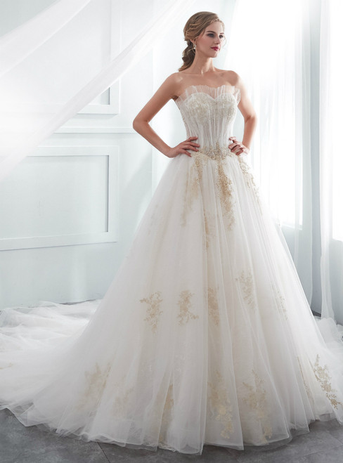 White Tulle Sweetheart Neck Backless Appliques Wedding Dress