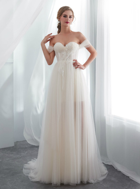 Beach Champagne Tulle Sweetheart Neck Backless Wedding Dress