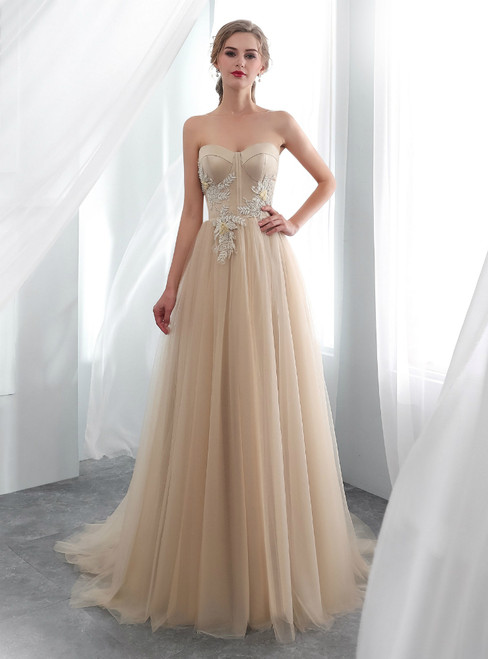 Champagne Tulle Sweetheart Neck Appliques Wedding Dress