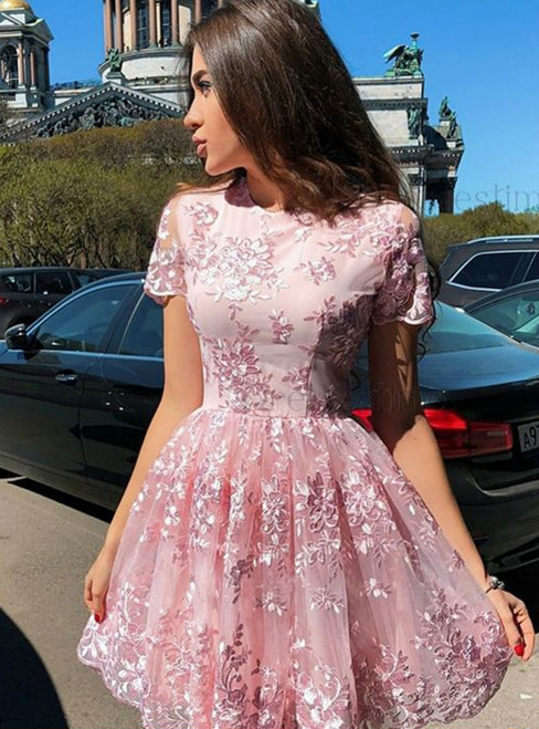 Cute Round Neck Pink Short Sleeve Lace Short Homecoming Dress
