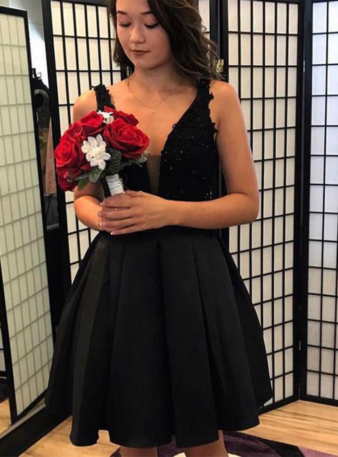 Black Satin V-neck Backless Lace Short Homecoming Dress