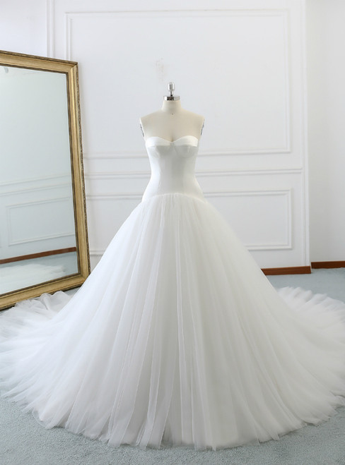 White Sweetheart Neck Tulle Satin With Long Train Wedding Dress