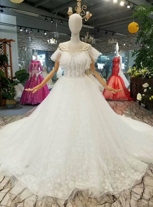 Ball Gown Lace Bateau Corest Backless Beading Wedding Dress With Train
