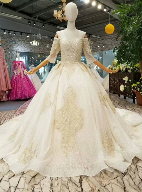 Champagne Tulle Lace Appliques Off The Sohulder Short Sleeve Wedding Dress