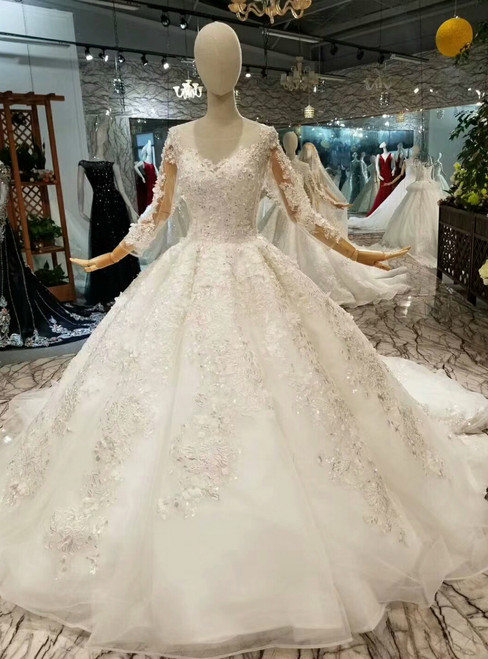 Ball Gown Tulle Lace Appliques Long Sleeve Bateau Wedding Dress With Beading