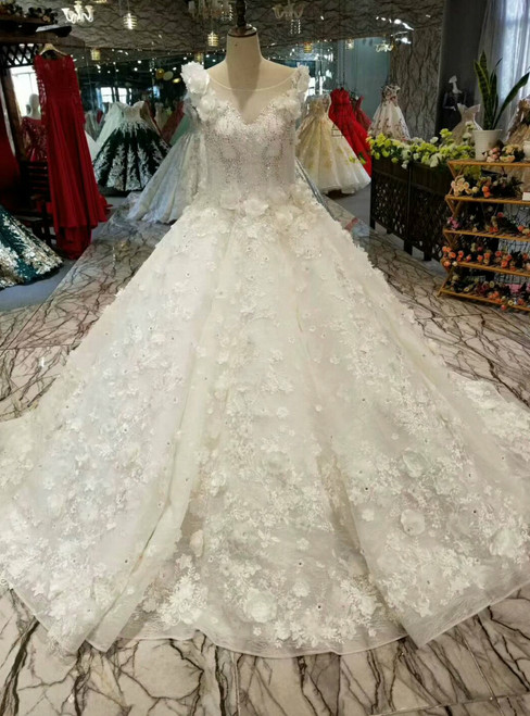 Ball Gown Bateau Neck Appliques Wedding Dress With Beading