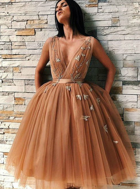 A-Line Gold Tulle V-Neck Backless Homecoming Dress With Appliques