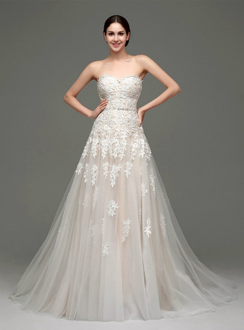 A-Line Champagne Tulle Lace Appliqeus Sweetheart Wedding Dress