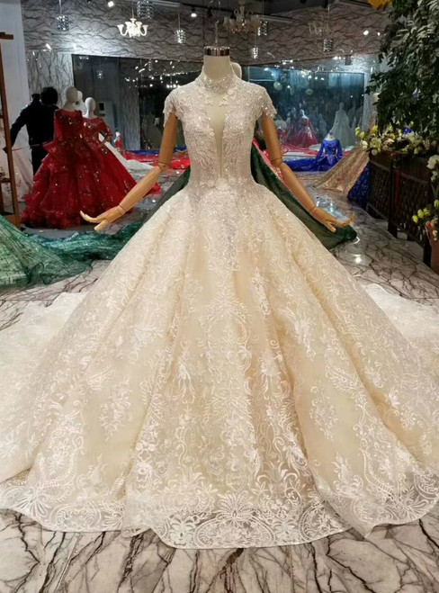 Champagne Ball Gown Tulle Lace Cap Sleeve Appliques Wedding Dress With Beading