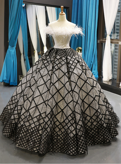Black And White Ball Gown Off The Shoulder Lace Beading Haute Couture Prom Dresses With Feather