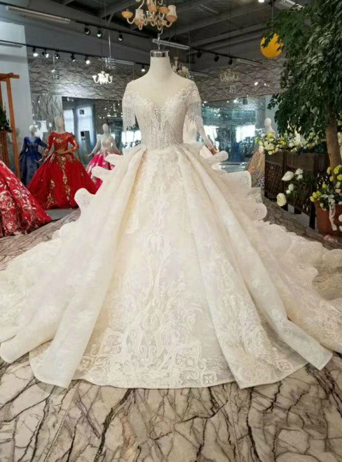 Light Champagne Ball Gown Tulle Lace Appliques Cap Sleeve Wedding Dress With Long Train